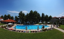 General panoramic view of the swimming pool.